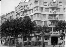 Casa Milà, 1915. Josep Maria Madurell i Marimón, Col·lecció Club Excursionista de Gràcia © Ajuntament de Barcelona, Arxiu Municipal Districte de Gràcia