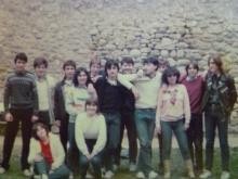 Excursión el 1984 a Vilafranca de Conflent. El autor es el segundo por la izquierda, con jersey blanco y una bufanda gris.